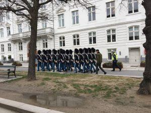 Palacio de Amalienborg cambio de guardia Copenhague
