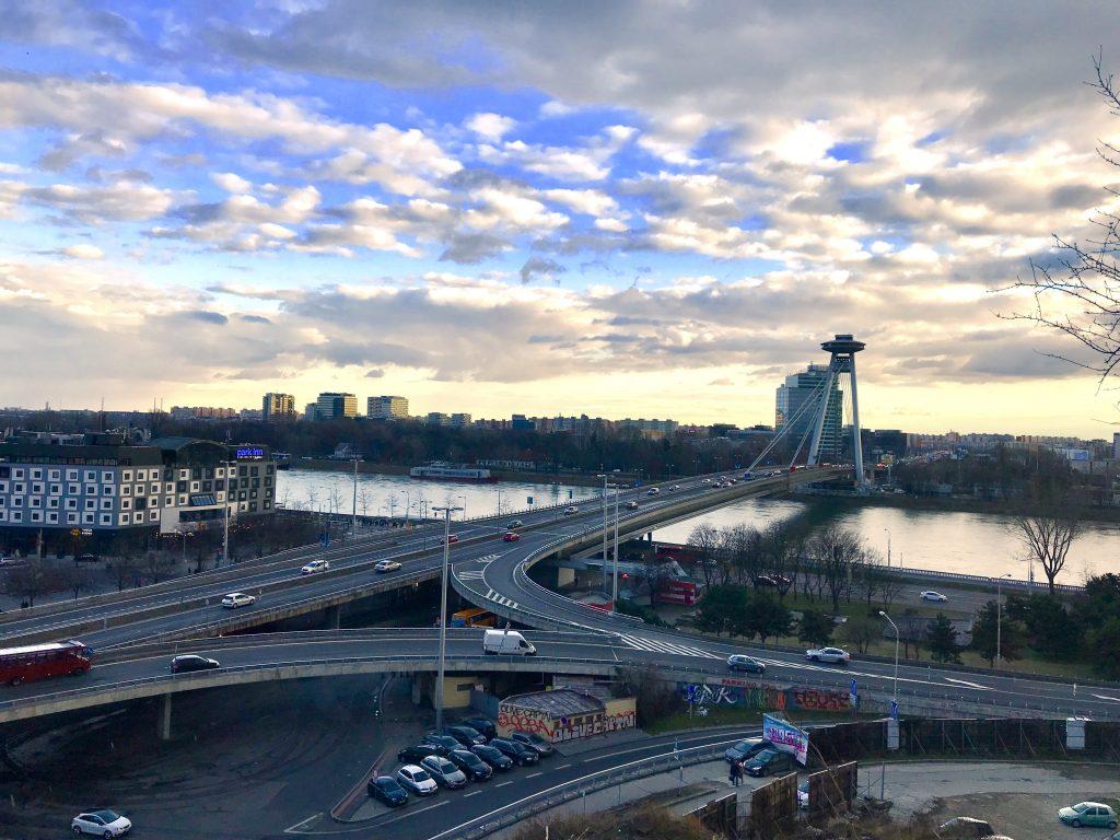 Puente nuevo y torre UFO